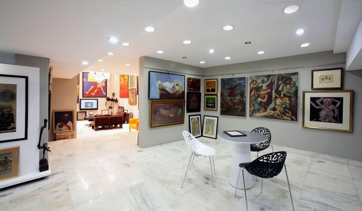 Recessed lighting in galleries