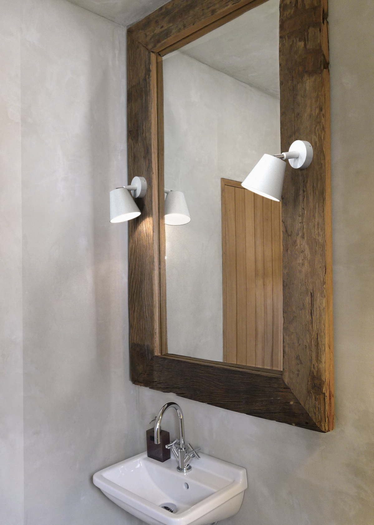 Bathroom Mirror With Spotlights