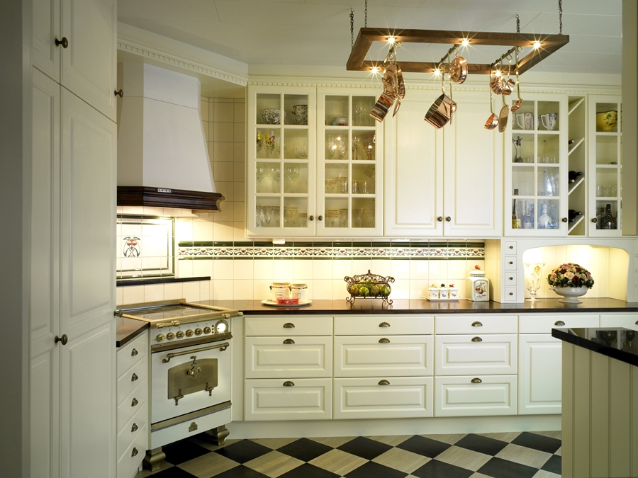 traditional kitchen lighting