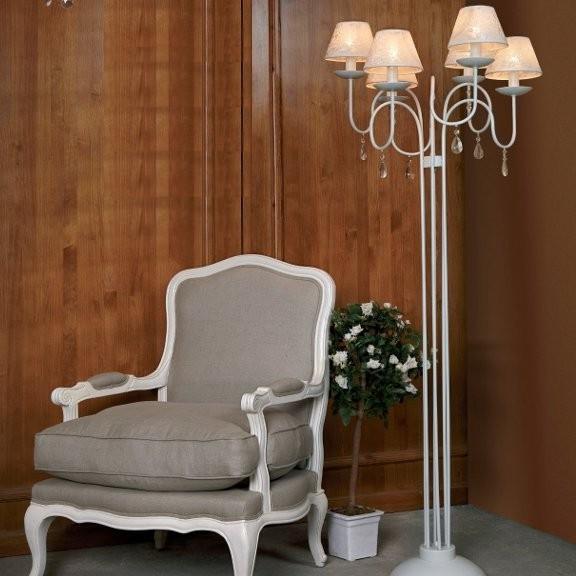 Traditional Floor Lamps