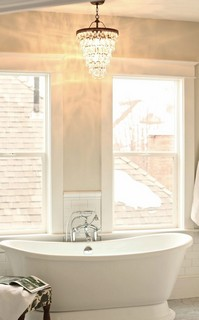 Creating A Vintage Bathroom Lighting Design