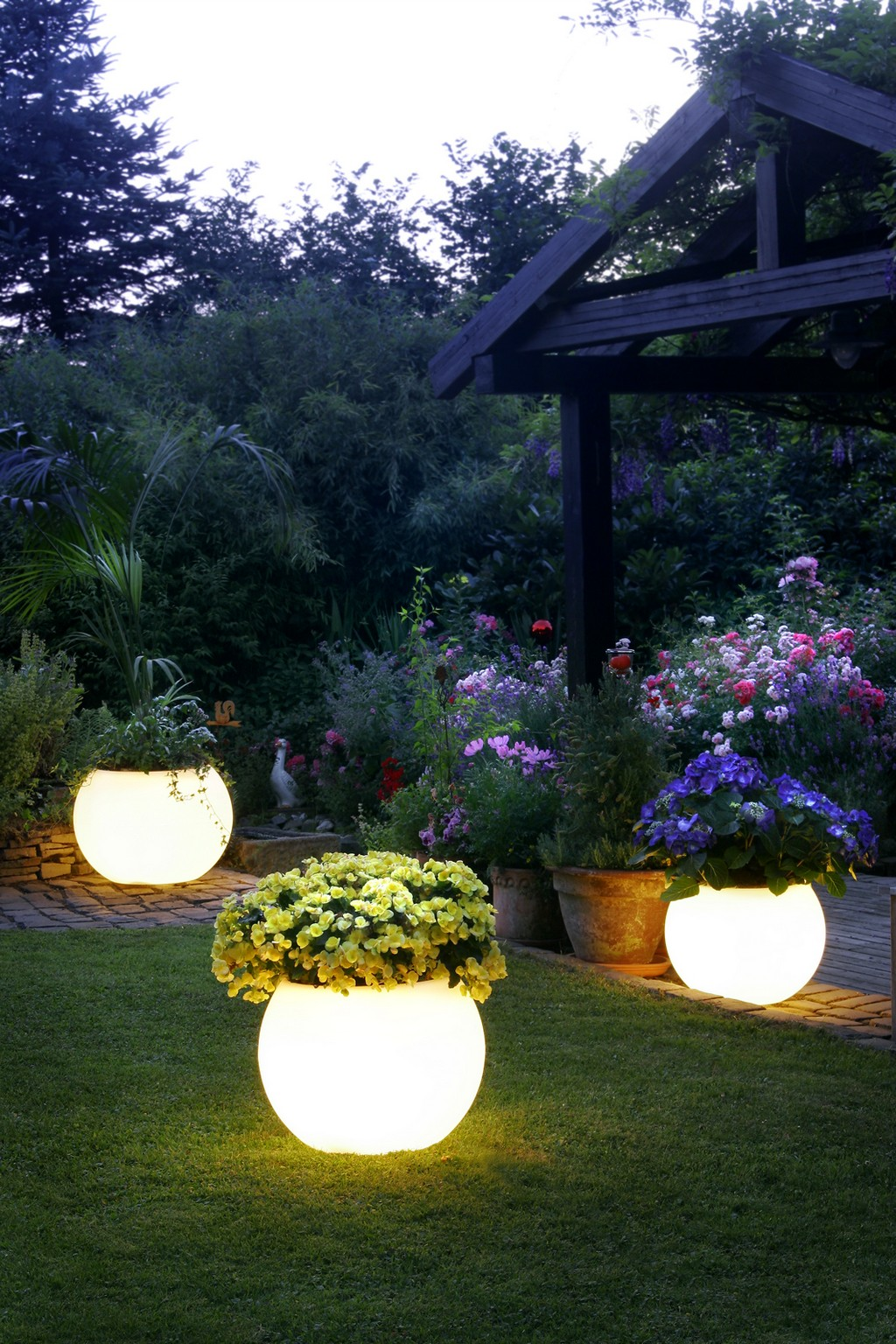 garden lights - lighting plant pots